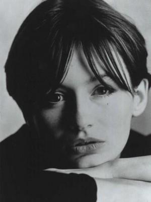 Emily Mortimer Headshot